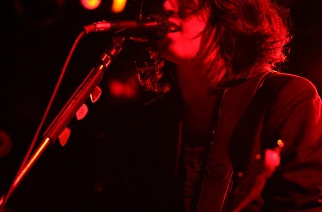 名古屋のコンサート会場で歌うアーティスト